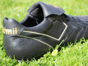 CHAUSSURE DE FOOT FABRICATION FRANçaise